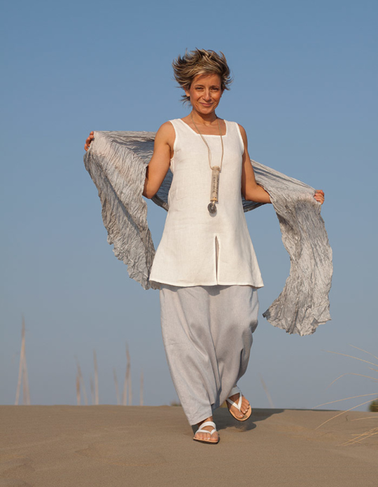 White linen tunic 'Arcade', ice blue linen sarouel/skirt Looks Spring summer