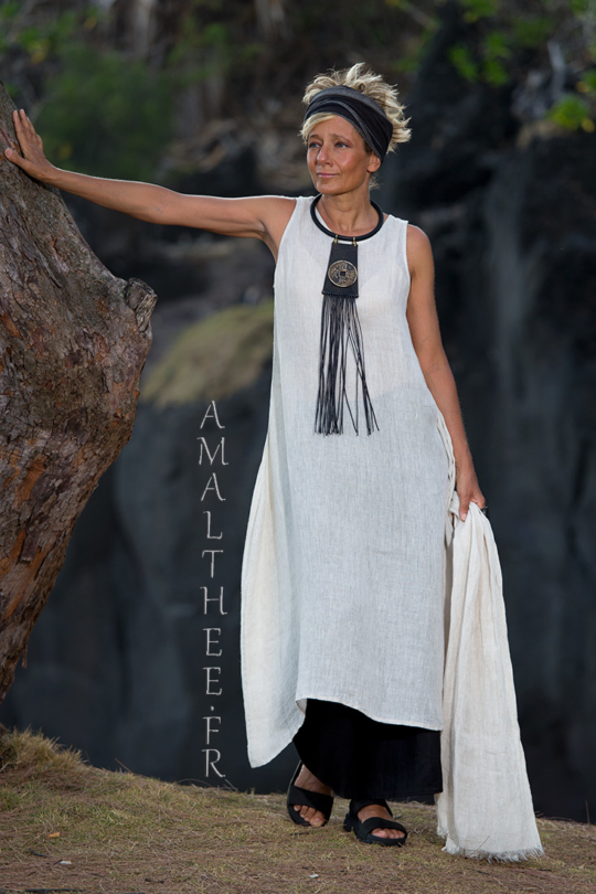 A long oatmeal linen gauze tunic Lili layered on our wild legs black linen baba pants Looks Spring summer
