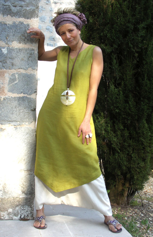 set in Linen:Tunic absinthe green color white harem pants Looks