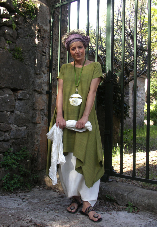 LIME GREEN RAW SILK TUNIC withwhite linen sarouel ( harem pants) Looks Spring summer