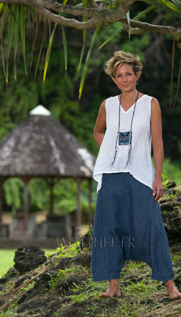 Women's sumer time apparel:  white linen gauze little Top and sarouel pants Looks Spring summer