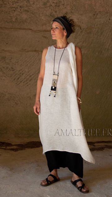 oatmeal linen gauze tunic and black sarouel Looks Spring summer
