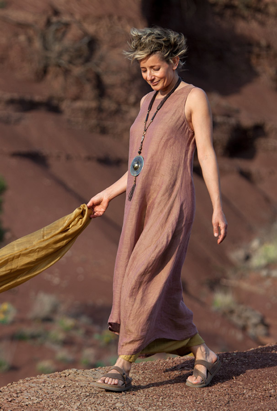 This rosewood color linen gauze tunic with our fruity sarouel skirt Looks